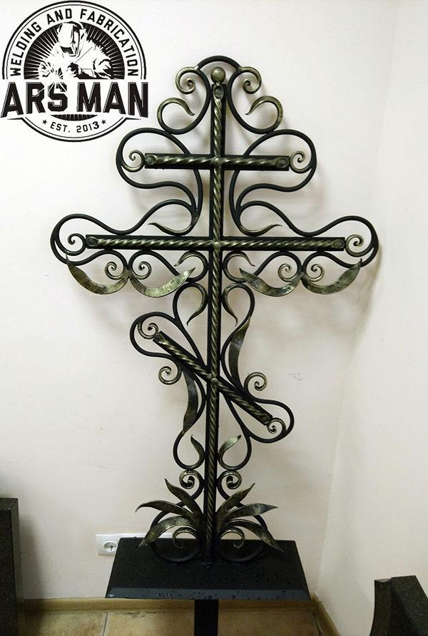 Ритуальные кресты на заказ