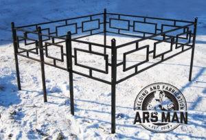 Железные оградки на могилки