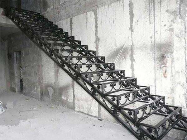 Изготовление кованной лестницы в Алматы